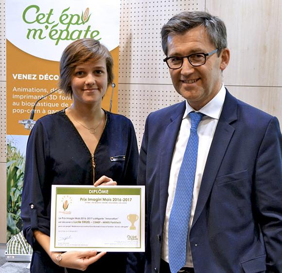 Lucile, aux côtés d'Yves Bélegaud, membre du jury et Président de l'USIPA (Union des Syndicats des Industries des Produits Amylacés et de leurs dérivés).