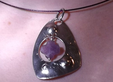 Pendentif Croix violette
