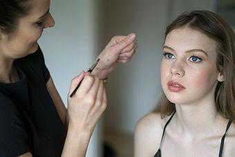 freelance-makeup-artist.jpg