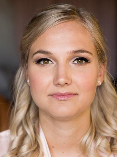 Freelance Makeup Artist | Canada