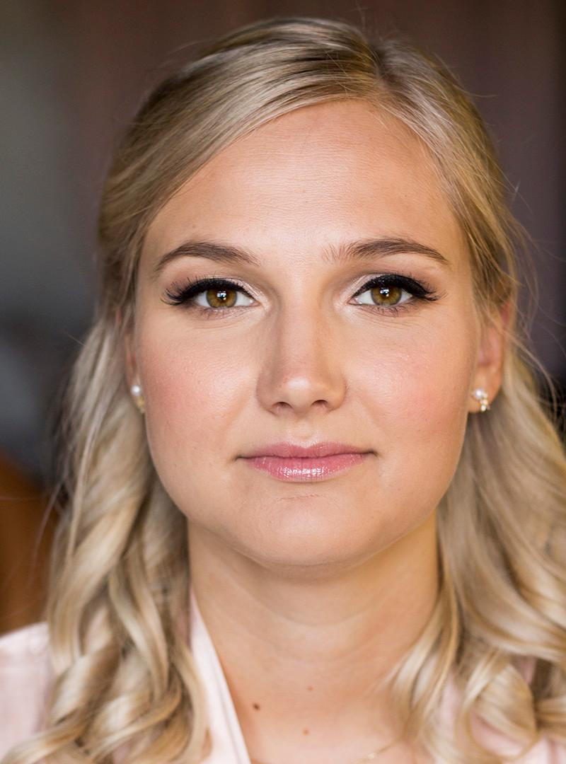 Freelance Makeup Artist   Canada