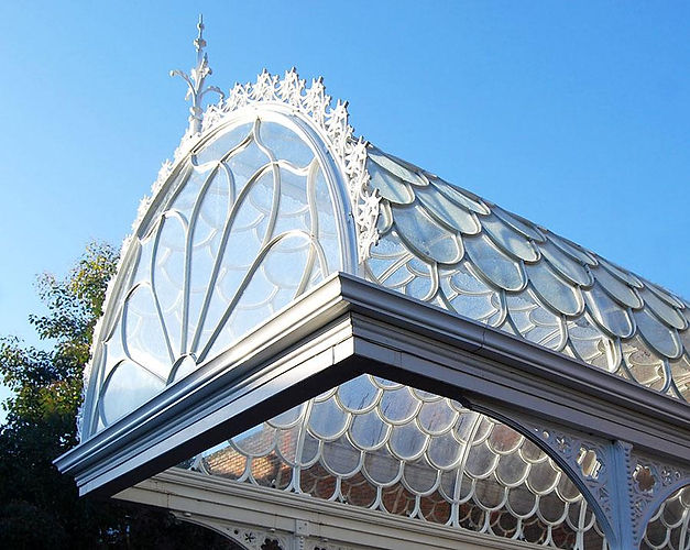 Decorative canopy with roof