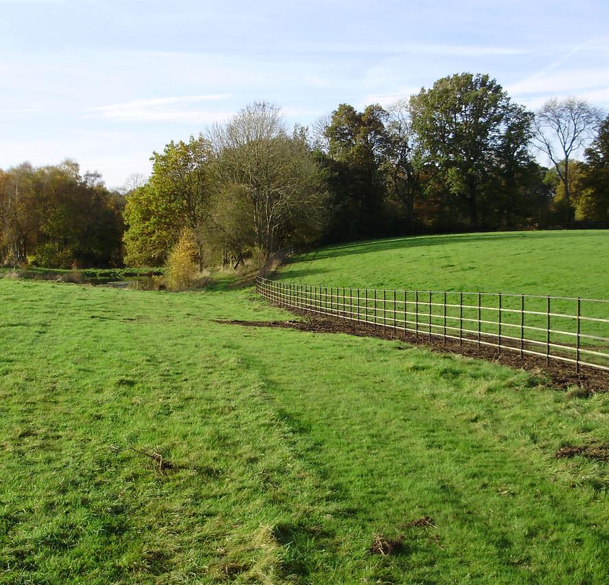 britannia bare metal estate fencing