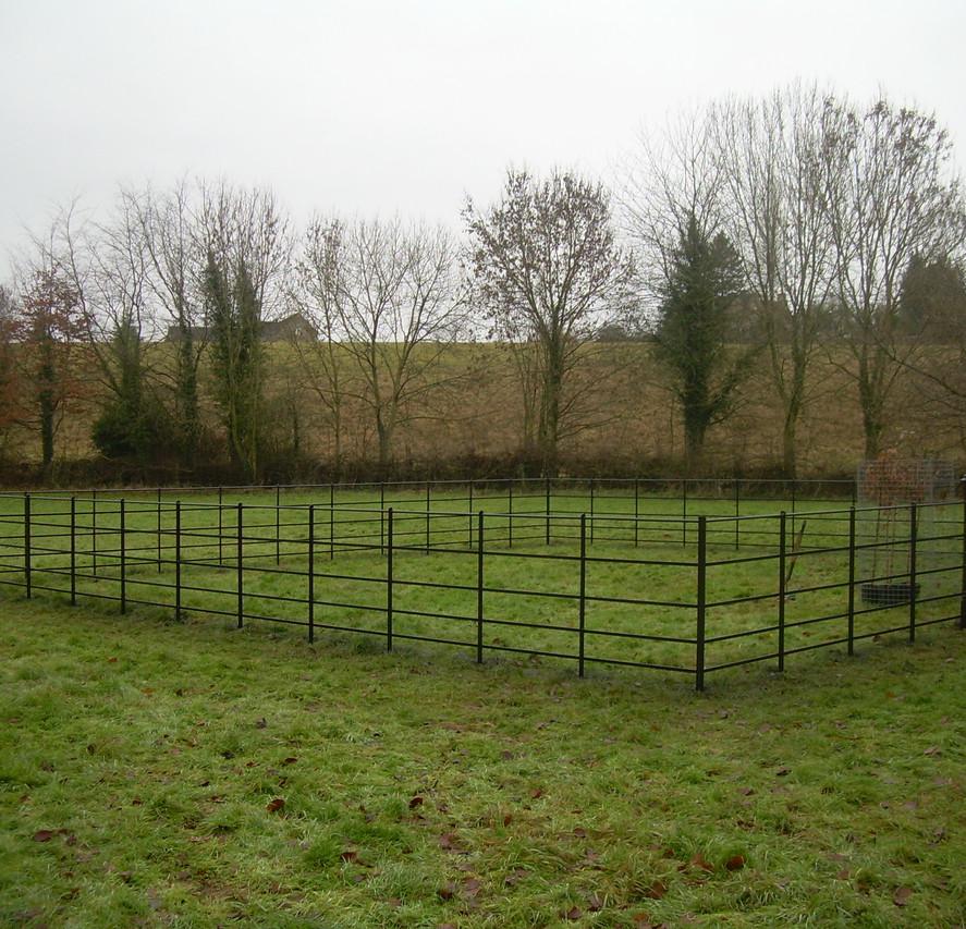 britannia estate fencing - black finish