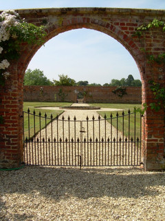 Ornate gates zip (3).JPG