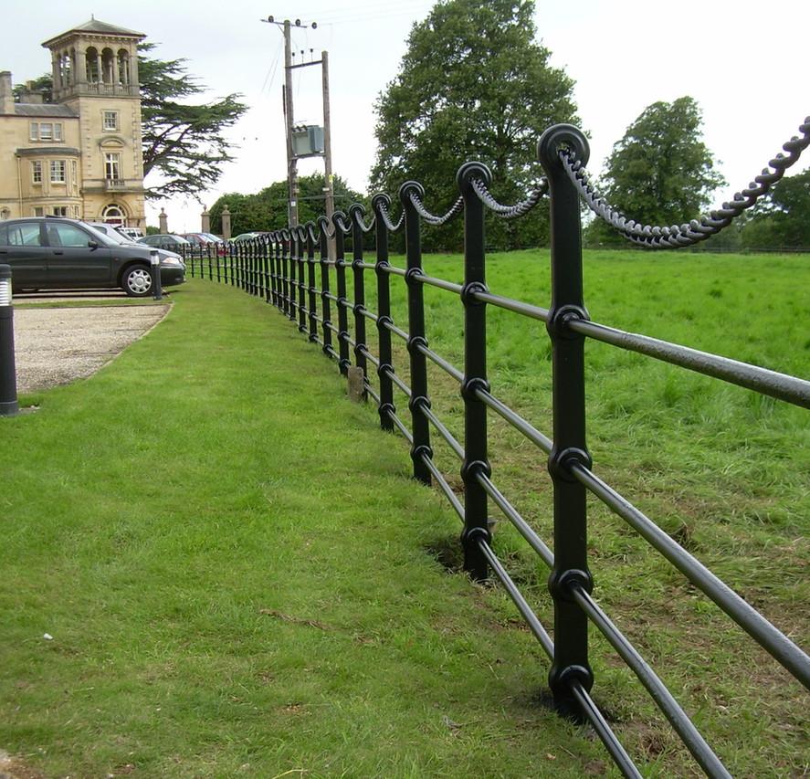 Bespoke Fencing 4.jpg