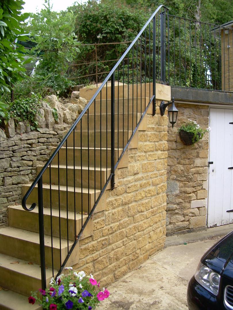 steps and railings kemerton 008.jpg