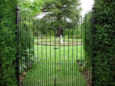Ornate gates zip (1).jpg