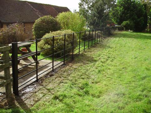 garden boundry fence