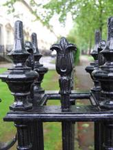 Beautiful cast iron railings with cast iron finials – install – Holborn London