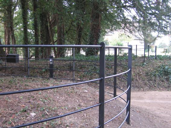Bespoke Fencing - round rail