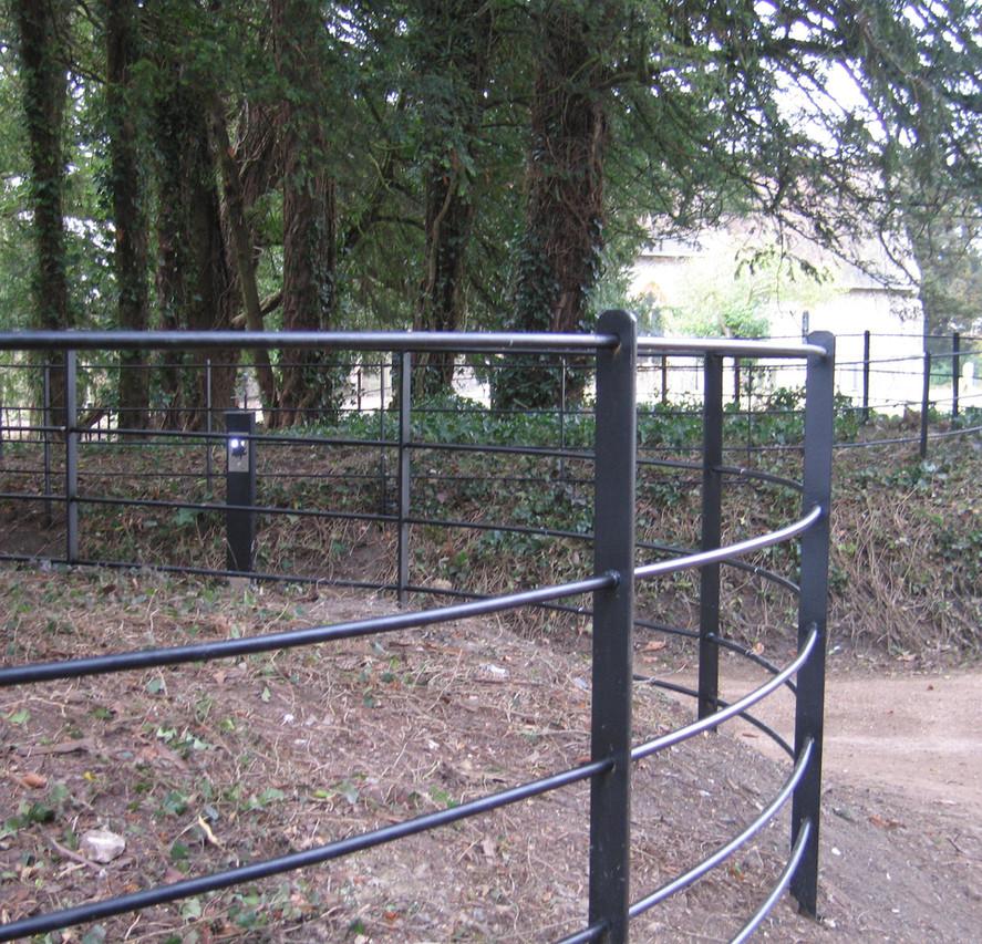 Bespoke Fencing 2.jpg
