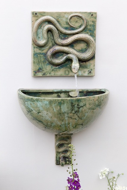 SNAKE WALL FOUNTAIN AND BOWL