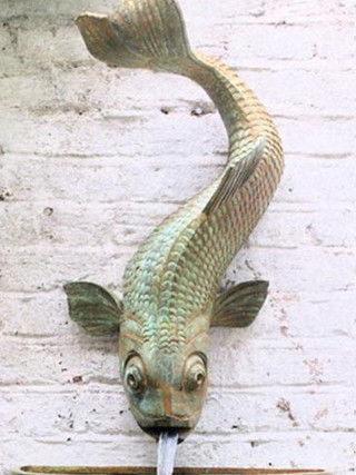 LARGE FISH SPOUT, WALL BOWL AND BRACKET