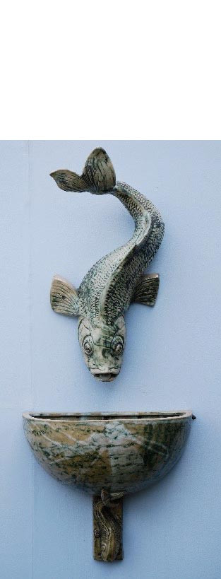 LARGE FISH WALL SPOUT AND BOWL
