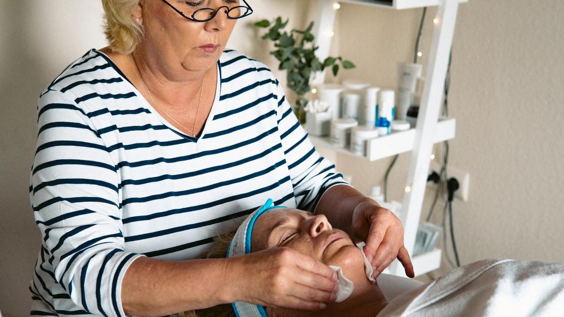 Kosmetikbehandlung Bredstedt