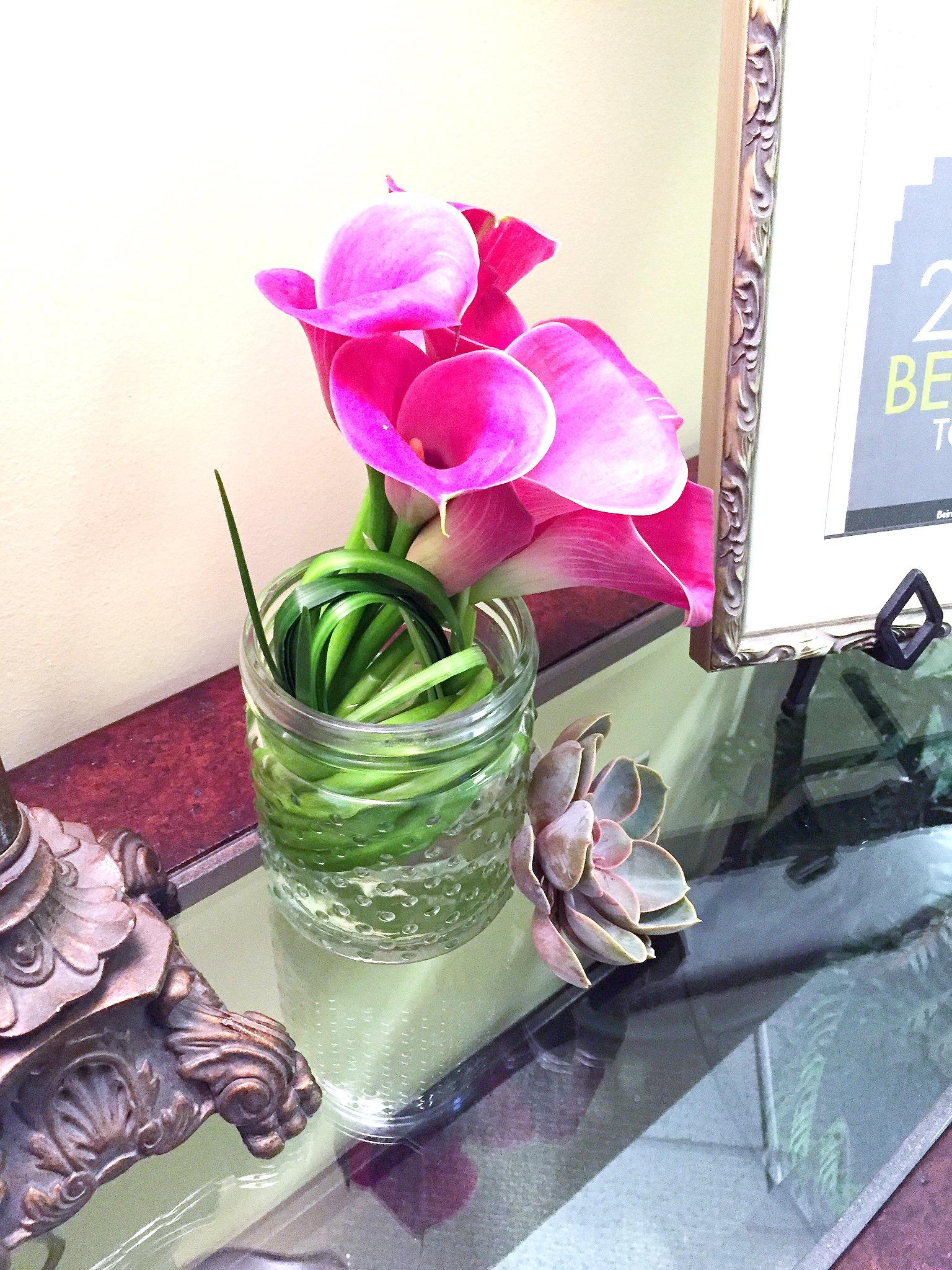Modern Calla Lilies & Bear Grass