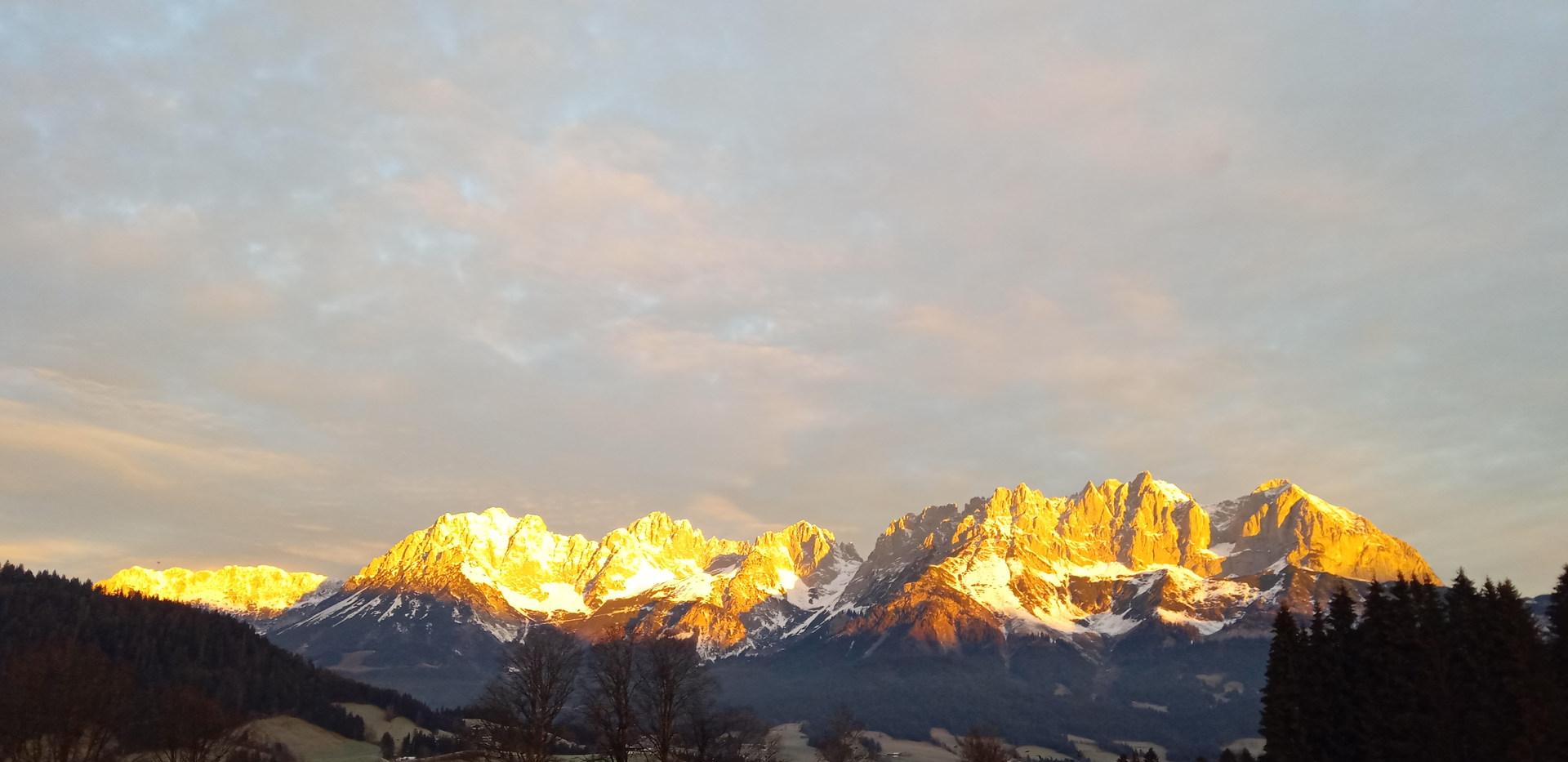 Wilder Kaiser beim Sonnenaufgang.jpg