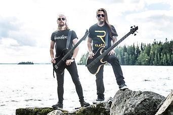 Lauri Silvonen Jose Moilanen Bloodred Hourglass BRHG Outokuva Raato Custom Guitars Raato Artist Family Raato Endorsement Artist