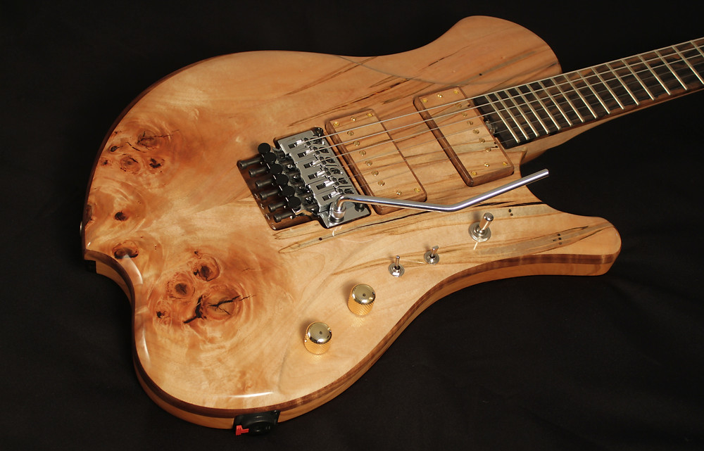 Fuzz Guitar Show 2019 Raato Custom Guitars Raadotar 6-string piezo-loaded electric guitar graph tech lb63 ghost system bare knuckle pickups ragnarok set