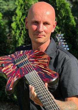 Raato Custom Guitars Mika Ruotsalainen Owner / Guitar Maker - Custom kitara Suomesta - Soitinrakentaja
