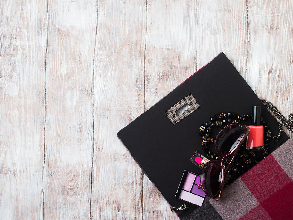 ladys-clutch-bag-with-make-up-accessorie