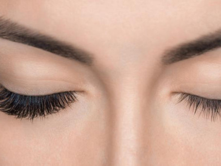 Pestañas postizas ¿conllevan algún riesgo para tus ojos?
