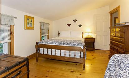 Cottage Bed Room Queen