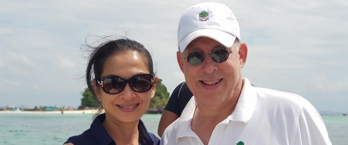 couple boating thailand