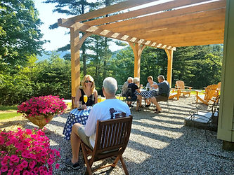 Breakfast Pergola Pond Mountain Inn