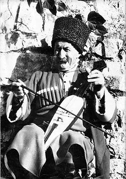 Айба Алмасиан.jpg