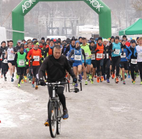 Laufinstinkt+ Augsburg - MEIN ERSTES 10KM-RENNEN - Wettkampftaufe - Bild 1