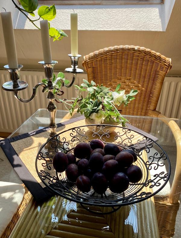Eine Schale mit vitamin-C-reichem Obst | Laufinstinkt+®