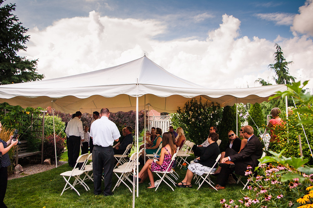 St. Thomas ontario backyard wedding photos