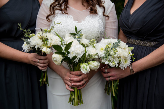 beautiful white bridal bouquets