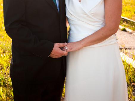Tiny Backyard Wedding | St. Thomas, Ontario Wedding Photographer