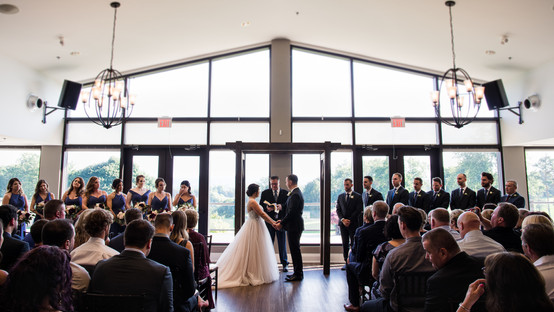 beautiful ceremony at dundas gold and country club