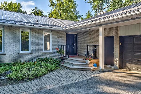 133 Pineridge Road, Carp, Ontario K0A 1L
