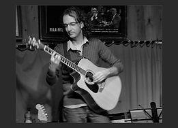 רמי יוסיפוב-גיטריסט,מפיק מוסיקלי,מלחין מוסיקה לסרטים,אולפן הקלטותרמי, יוסיפוב, מלחין, גיטריסט, מוסיקה לסרטים, הפקה מוסיקלית, טיפקס, בוראן, אקו3, אולפן הקלטות,