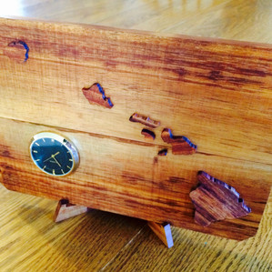 Koa Hawaiʻian Islands clock
