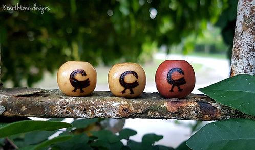 sankofa (bird) adinkra symbol・wood-burned loc bead
