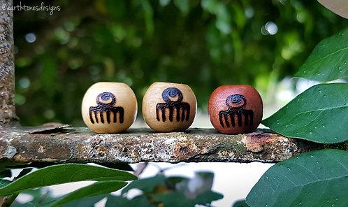 duafe (femininity) adinkra symbol・wood-burned loc bead
