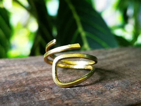 abstract brass ring • size 8.5
