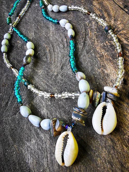mami wata ・beaded necklaces
