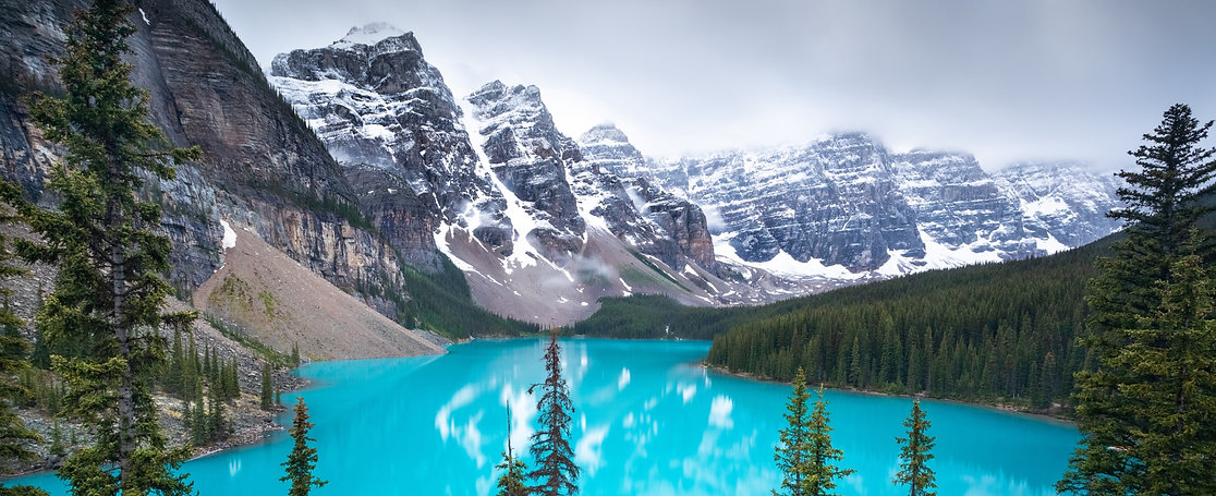 Canada%20Moraine%20Lake%20Banff%20Unspla