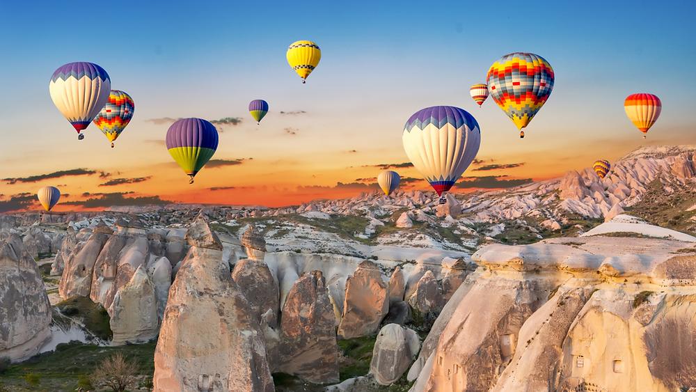 Escorted tour group with Hot Air Balloon ride in Cappadocia, Turkey