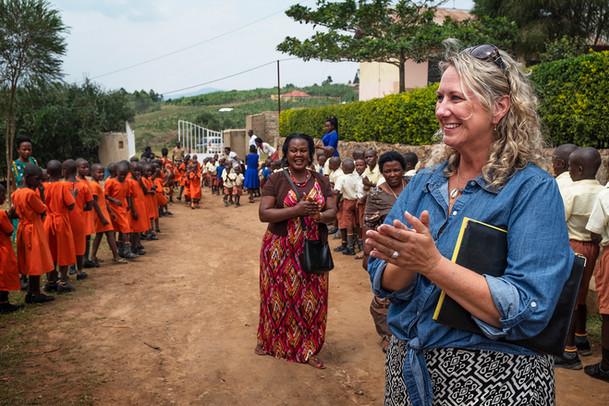 Uganda-school-children