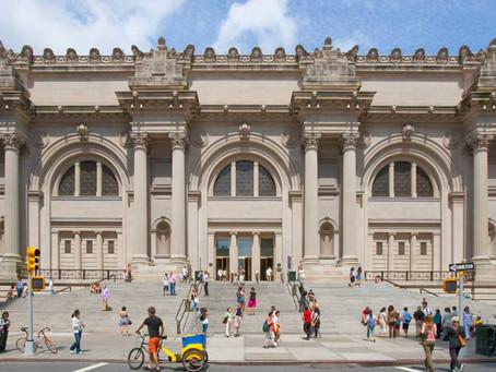 MET receives 700 artworks.