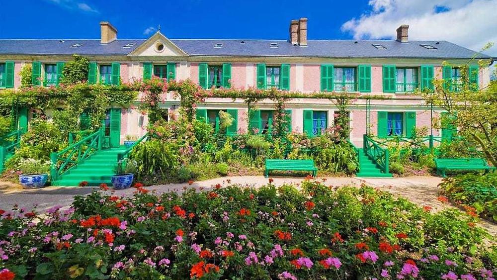 Monet art expert