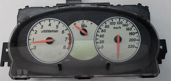 לוח שעונים ניסאן מיקרה.jpg